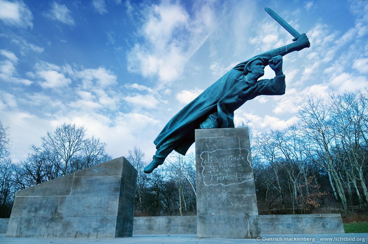 Gedenkstätte der deutschen Interbrigadisten, Friedrichshain. Berlin 2007 Foto © Dietrich Hackenberg