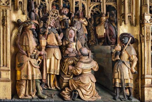 Anbetung der Weisen - Detail des Antwerpener Schnitzaltares in der St. Victor Kirche Schwerte - Foto © Dietrich Hackenberg