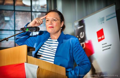 Ministerin Andrea Nahles - Oberhausen ver.di Branchenkonferenz Einzelhandel NRW - Foto © Dietrich Hackenberg
