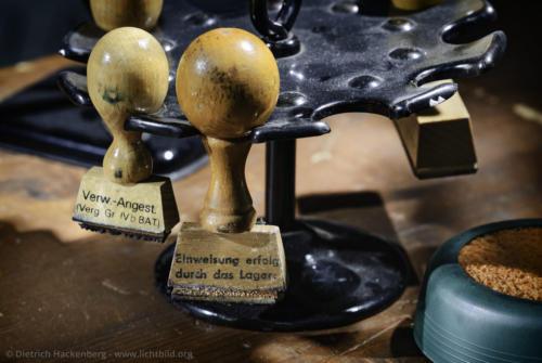 Stempel des Lagers Massen - Unna-Massen - Dokumentationszentrum der Landesstelle in Massen Foto © Dietrich Hackenberg