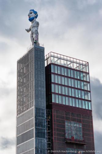 Herkules-Skulptur von Markus Lüpertz Turm der ehemaligen Gelsenkirchener Schachtanlage Nordstern - Foto © Dietrich Hackenberg