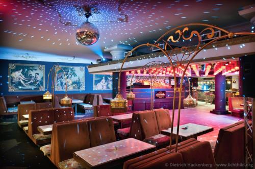 Tanzcafé Oma Doris - Reinoldistraße, Dortmund Historisch moderner Tanzcafe-Mix - Foto © Dietrich Hackenberg